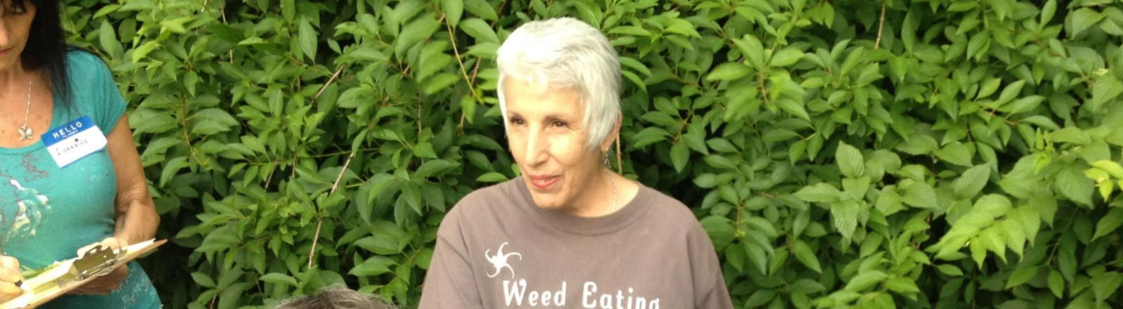 Slider-Ellen-herb-walk