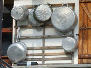 aluminum pots and pans